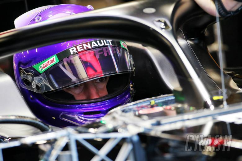 Ricciardo makes F1 return in Renault test