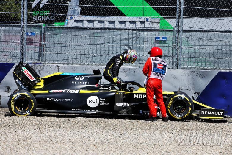 Daniel Ricciardo walks away from huge shunt in F1 Styrian GP FP2