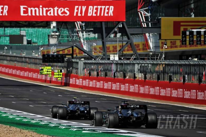 Valtteri Bottas (FIN) Mercedes AMG F1 W11 leads team mate Lewis Hamilton (GBR) Mercedes AMG F1 W11.