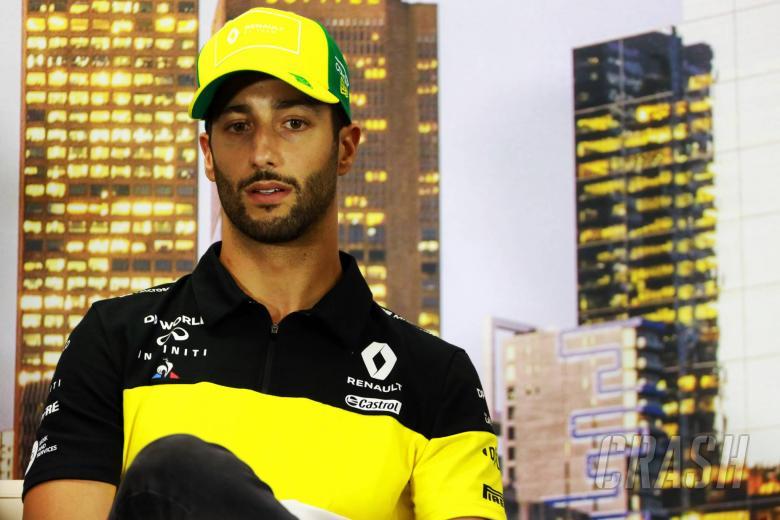 Daniel Ricciardo pondering Renault F1 future as decision looms