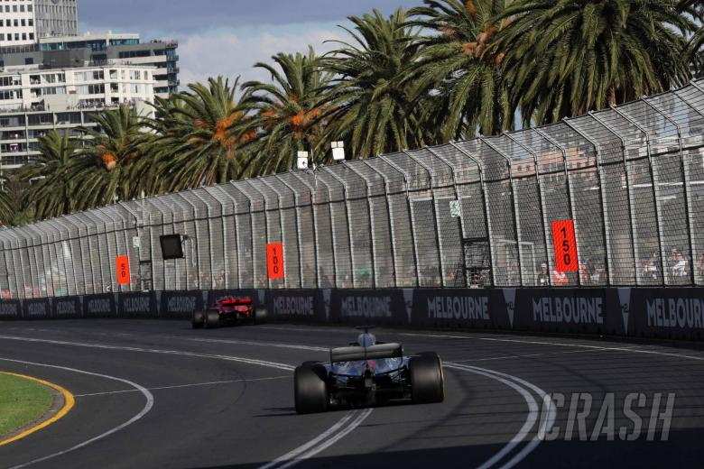 25.03.2018 - Race, Sebastian Vettel (GER) Scuderia Ferrari SF71H and Lewis Hamilton (GBR) Mercedes AMG F1 W09