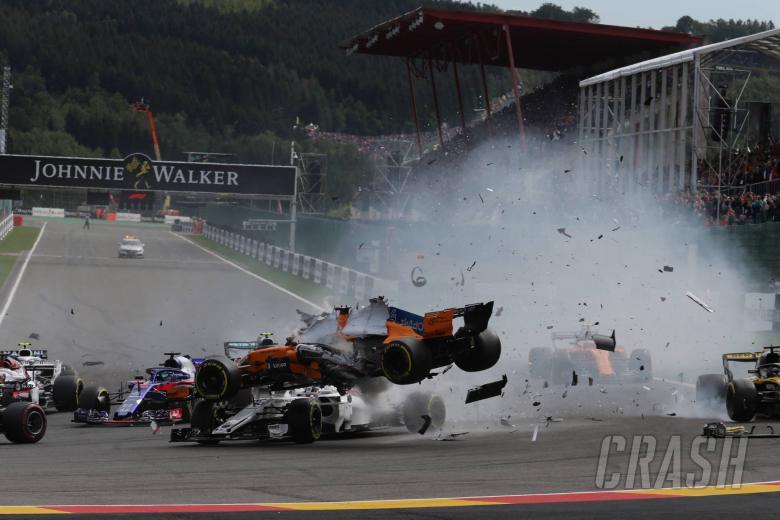 26.08.2018 - Race, Crash, Fernando Alonso (ESP) McLaren MCL33