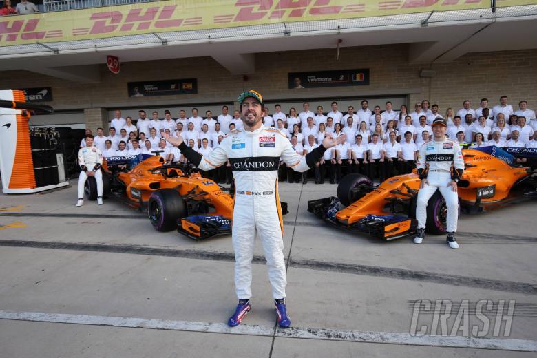 21.10.2018- Fernando Alonso (ESP) McLaren Renault MCL33 with all McLaren Team