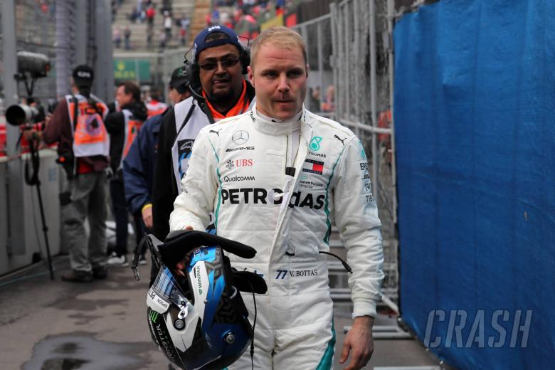 27.10.2018 - Free Practice 3, Valtteri Bottas (FIN) Mercedes AMG F1 W09 stopped in the third practice session.