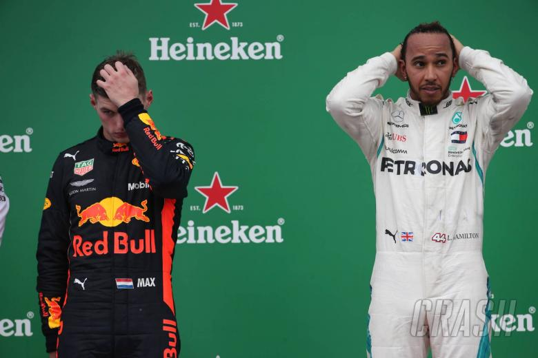 11.11.2018 - Race, 2nd place Max Verstappen (NED) Red Bull Racing RB14 and Lewis Hamilton (GBR) Mercedes AMG F1 W09 race winner