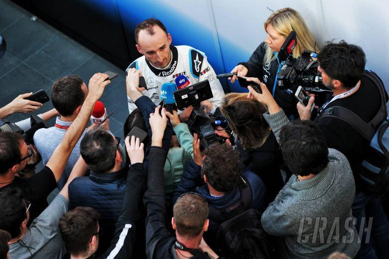 Robert Kubica (POL) Williams Racing with the media. 27.02.2019.