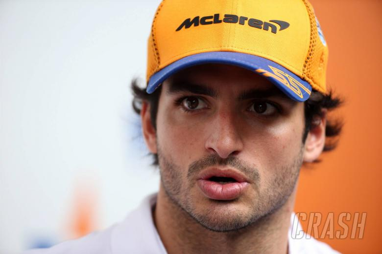 Sainz recalls 'strange' Ferrari F1 contract negotiations