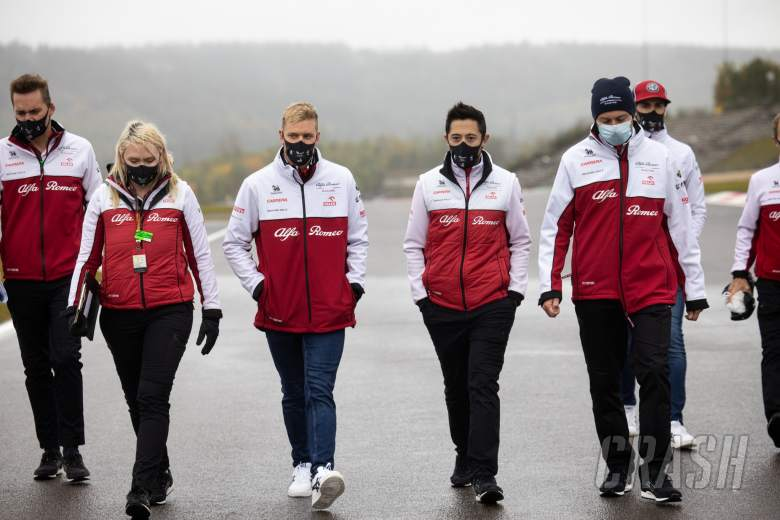 Mick Schumacher (GER) Alfa Romeo Racing Test Driver walks the circuit with the team.