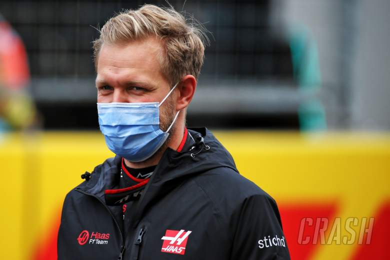 Kevin Magnussen (DEN) Haas F1 Team on the grid.
