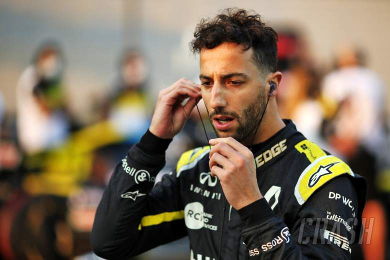 Daniel Ricciardo (AUS) Renault F1 Team on the grid.