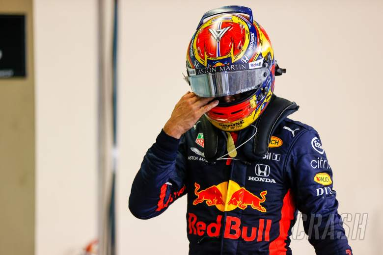 Alexander Albon (THA) Red Bull Racing in parc ferme.