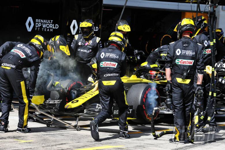 Esteban Ocon (FRA) Renault F1 Team RS20 retired from the race.