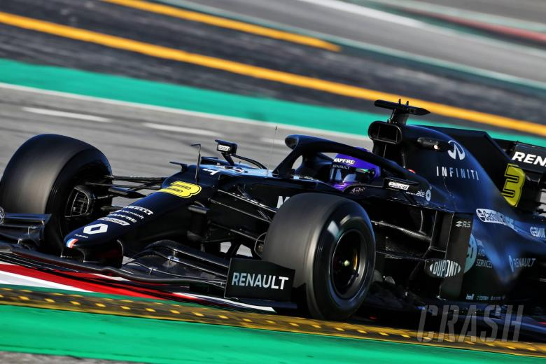 Ricciardo sends Renault top as F1 testing pace ramps up
