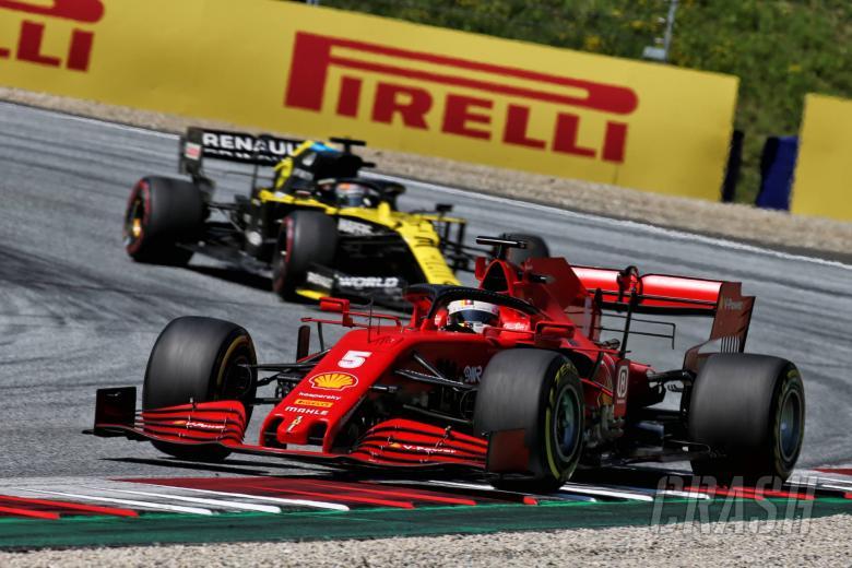 Vettel held Renault F1 talks, flirts with Red Bull and Aston Martin