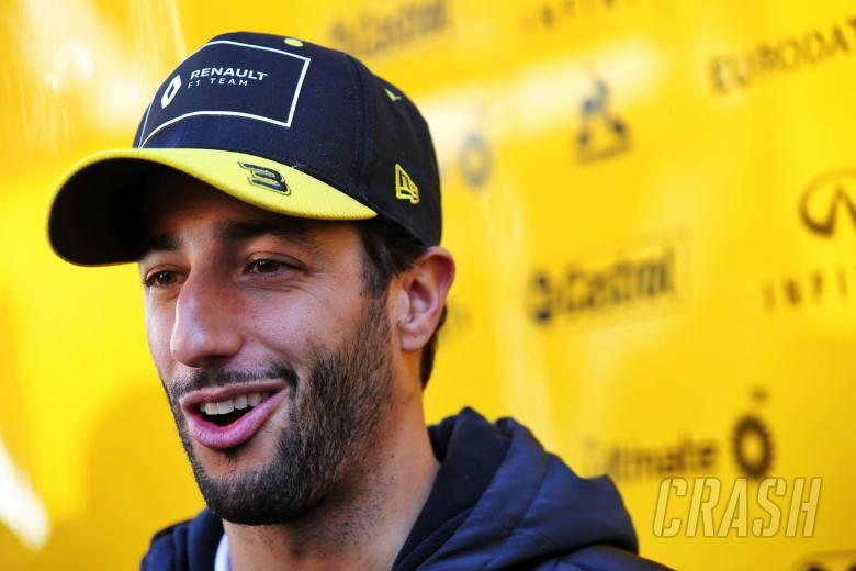 """Daniel Ricciardo says 10-race F1 season would be """"legit"""""""