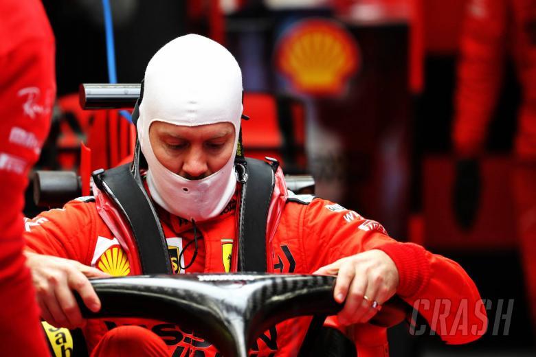 Vettel considering joining F1 rivals in sim racing