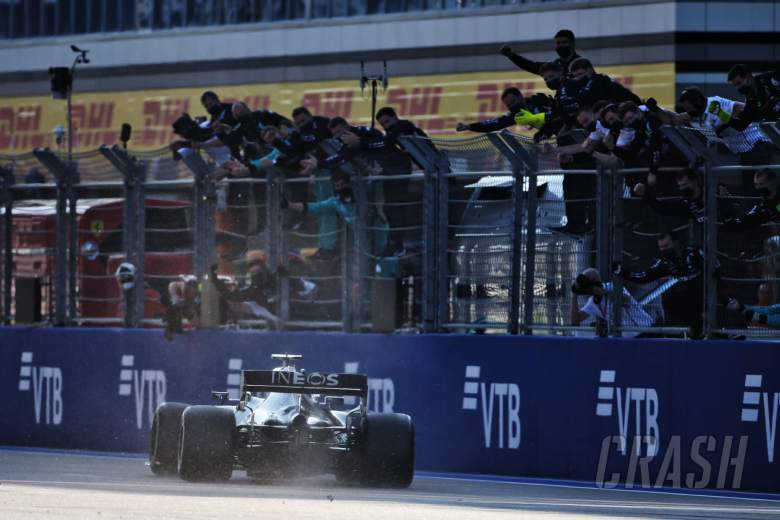 Race winner Valtteri Bottas (FIN) Mercedes AMG F1 W11 celebrates with the team at the end of the race.