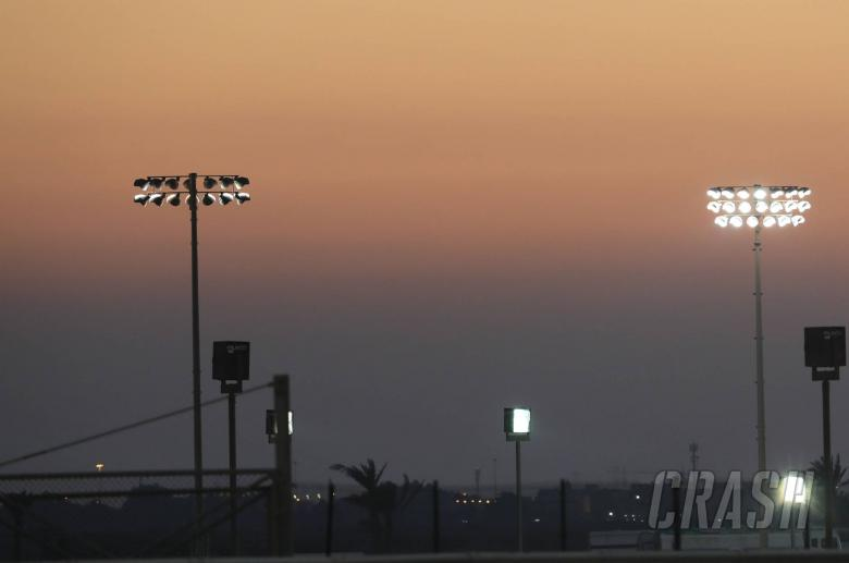 Qatar Moto2 replaces MotoGP as night race