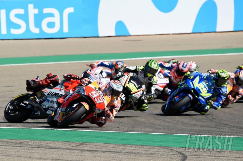 Lorenzo crashes behind Marquez, Aragon MotoGP 2018
