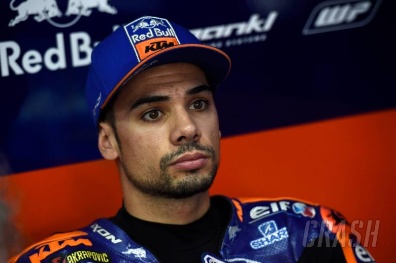 Oliveira stung by Binder factory ride, feels 'not worthy'