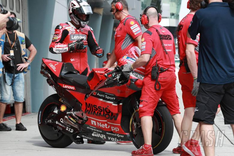 Petrucci on standby for frantic finish