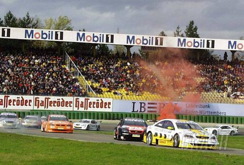 First DTM victory for Bernd Mayl?nder.