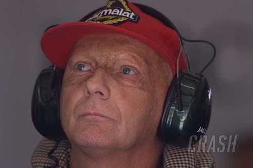 Lauda clarifies Hamilton 'no charisma' comments