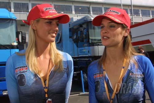 Bridgestone/Minardi offer ride in F1x2 car.