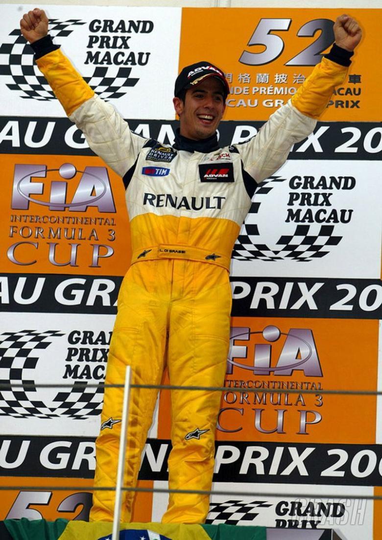 di Grassi denies Kubica Macau victory.