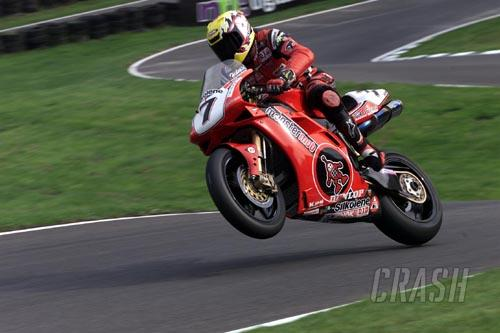 Hislop takes double Cadwell Park victories.