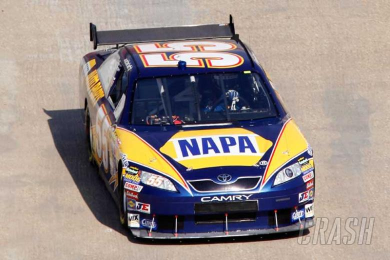 Childers inks deal with Michael Waltrip Racing.