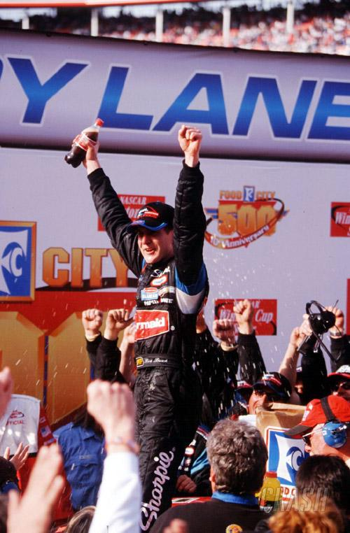 Busch looks to 2004.