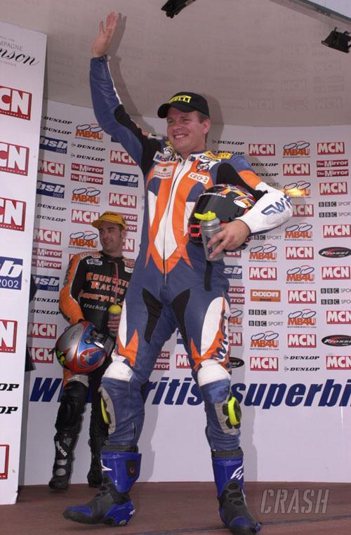 TT hero Jefferies re-signs with Suzuki.
