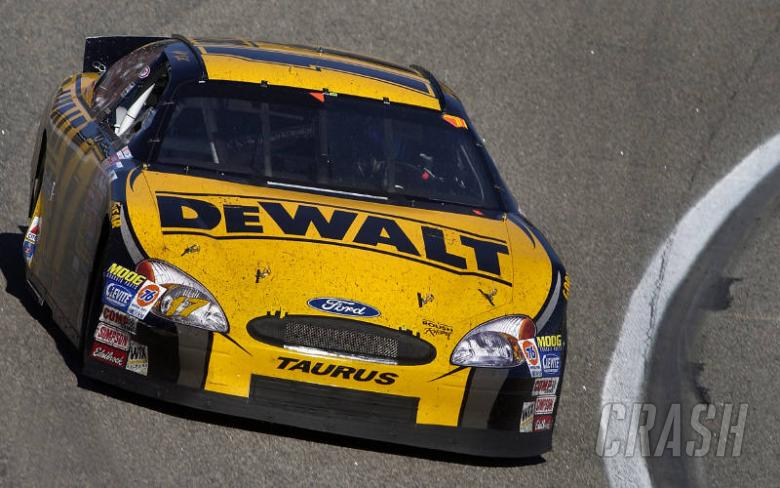 Kenseth extends advantage.