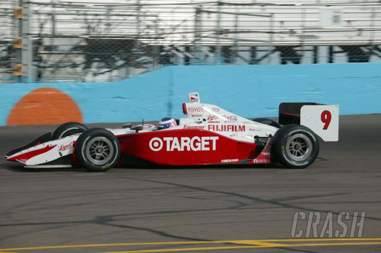 Scheckter top but Hearn the hero in first practice