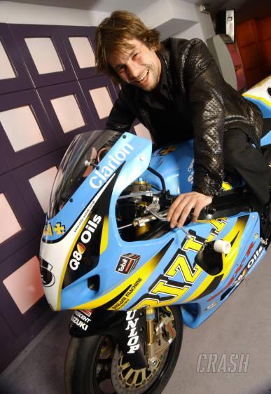 Pop star Jay Kay joins Rizla Suzuki!