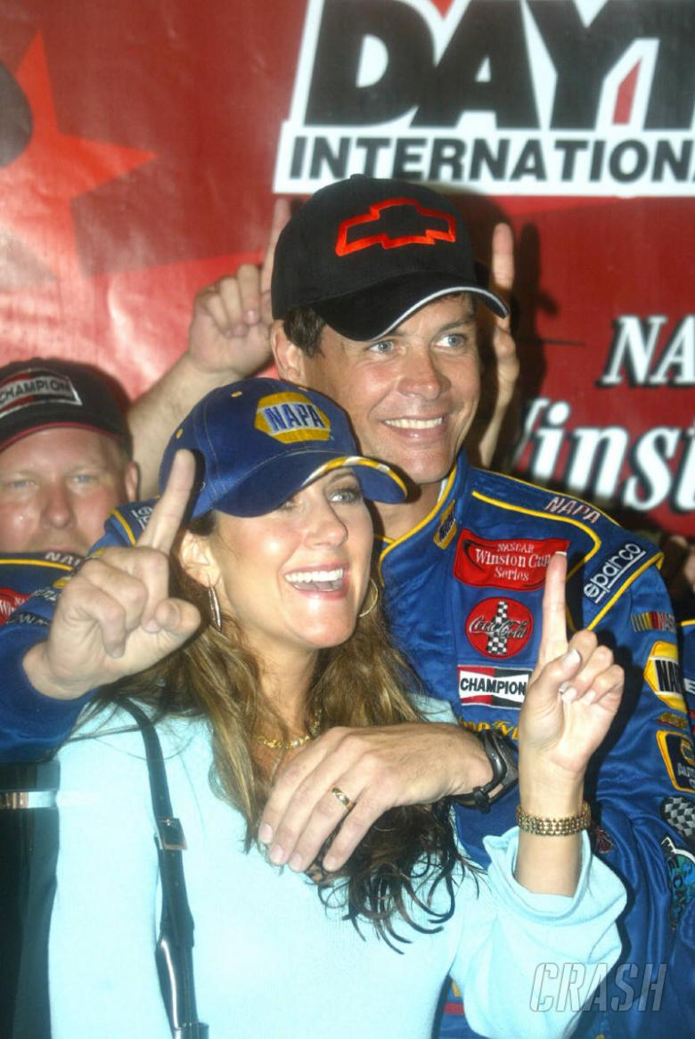 NAPA crew remain 'Kings of pit road.'