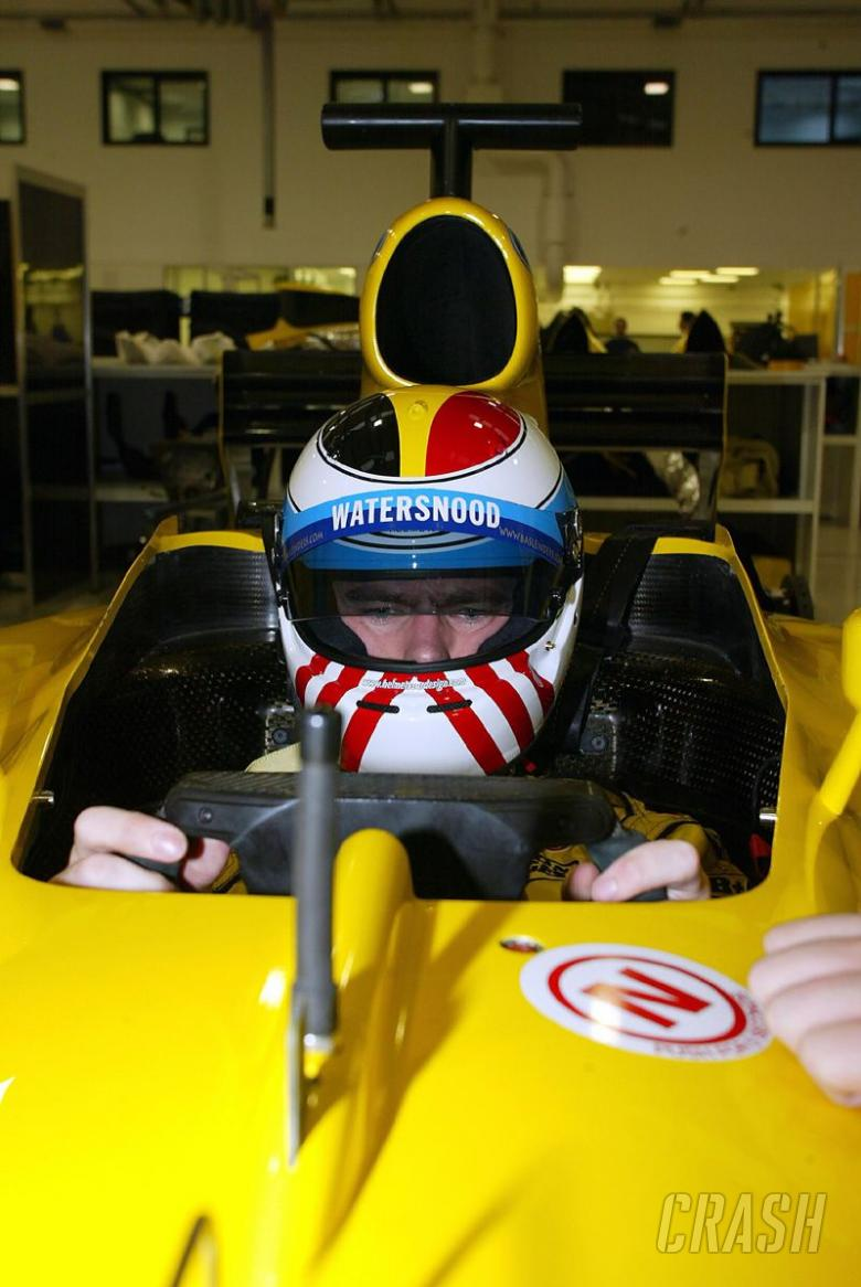 Leinders crashes on F1 test debut.