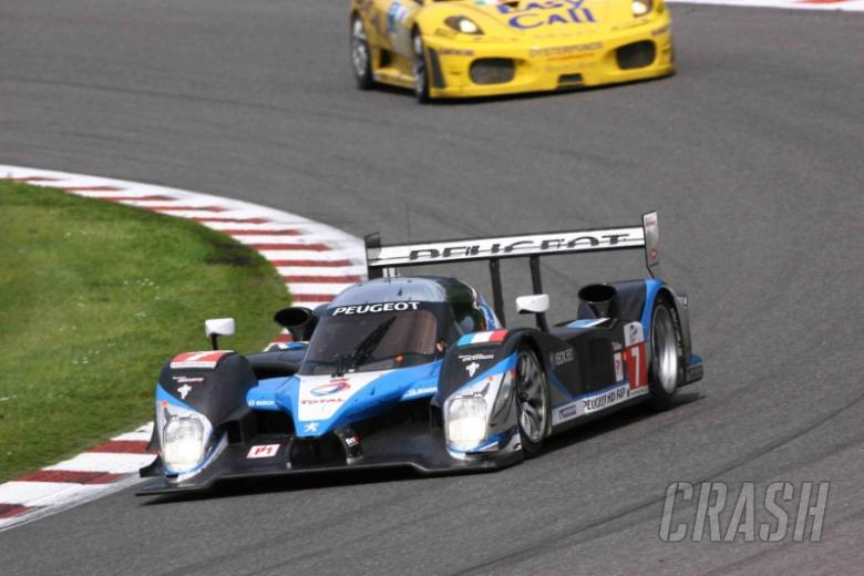 Peugeot wins on LMS return
