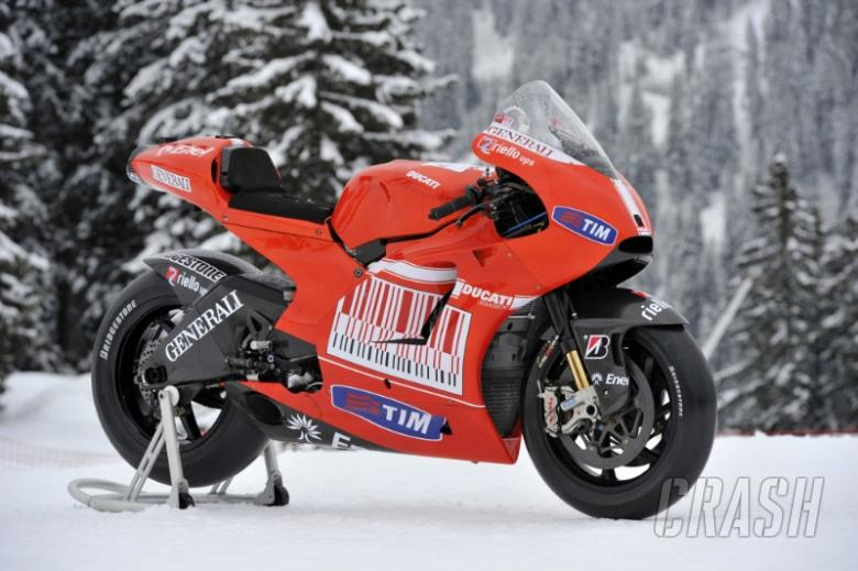 Ducati explains Desmosedici GP10, 'big bang' return.