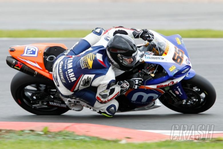 Motorpoint Yamaha confirms Loris Baz for 2011