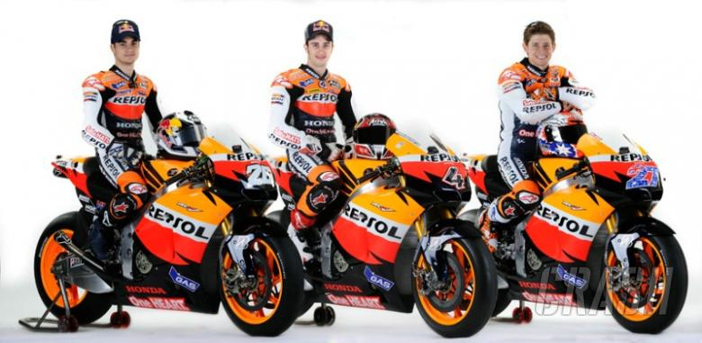 Repsol Honda: 3 riders, 1 'huge' garage, no team orders...