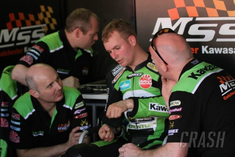 UPDATE: Easton injured in NW200 collision