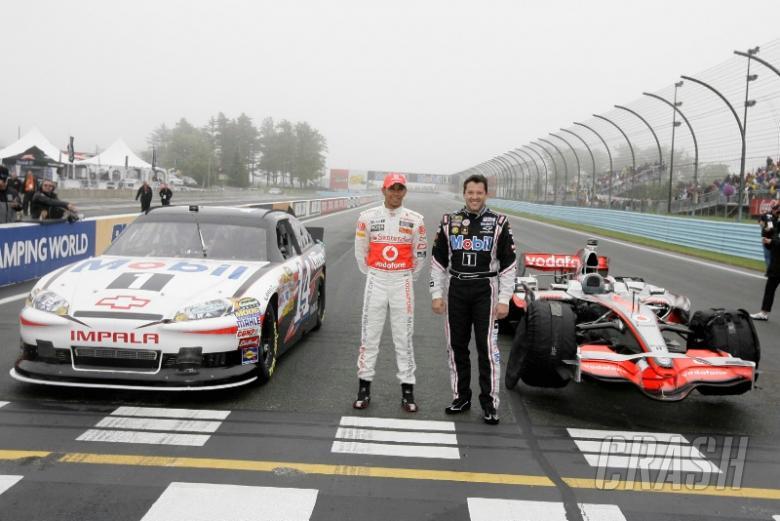 Lewis Hamilton and Tony Stewart swap cars at Watkins Glen!