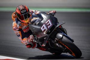 Marquez tries 'interesting' all-black bike