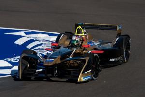 Vergne scores Santiago Formula E victory, Techeetah 1-2