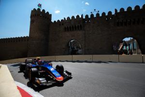 Matsushita beats de Vries to Baku F2 pole