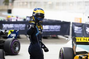 Camara beats Ilott to Abu Dhabi F2 pole