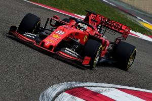 Vettel leads Hamilton in opening China practice