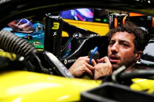 "Ricciardo: ""Harsh"" Singapore GP qualifying exclusion a disgrace"